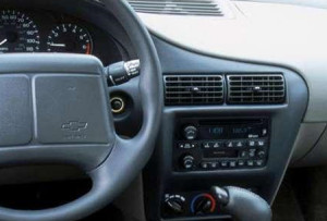2002 chevrolet cavalier audio wiring diagram 300x203 2002 chevy cavalier headunit stereo audio radio wiring install  at couponss.co