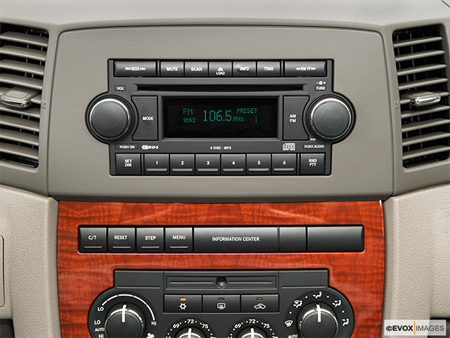 2005 jeep grand cherokee car audio wiring diagram radio colors. Black Bedroom Furniture Sets. Home Design Ideas